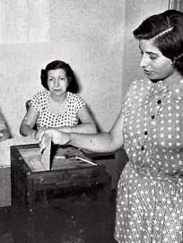 Resultado de imagen para primer voto de la mujer dominicana